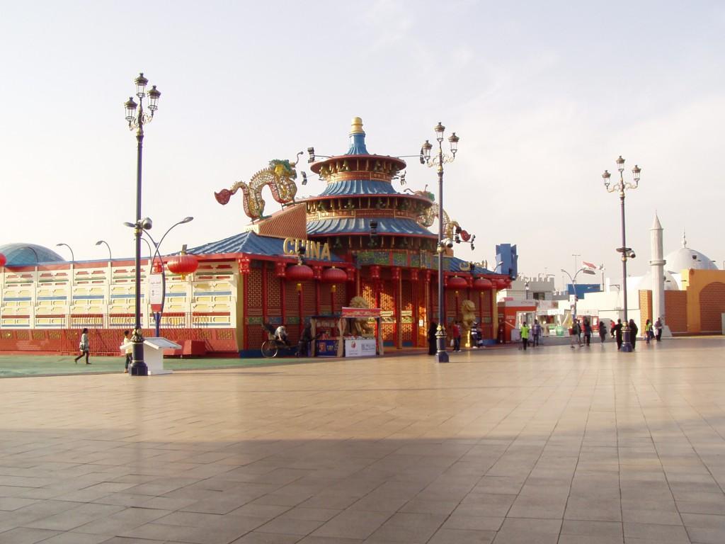 Китайці в ОАЕ активно торгують. Фото: Ганна Смаль